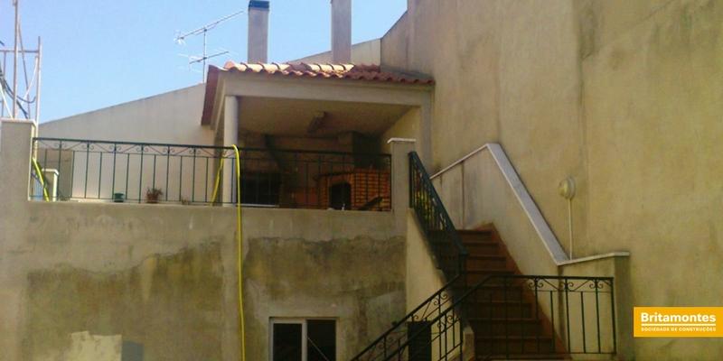 Reparação e pintura em moradia